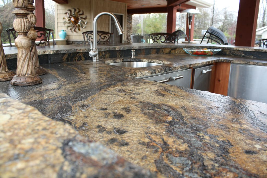 Wood edge countertops with laminate